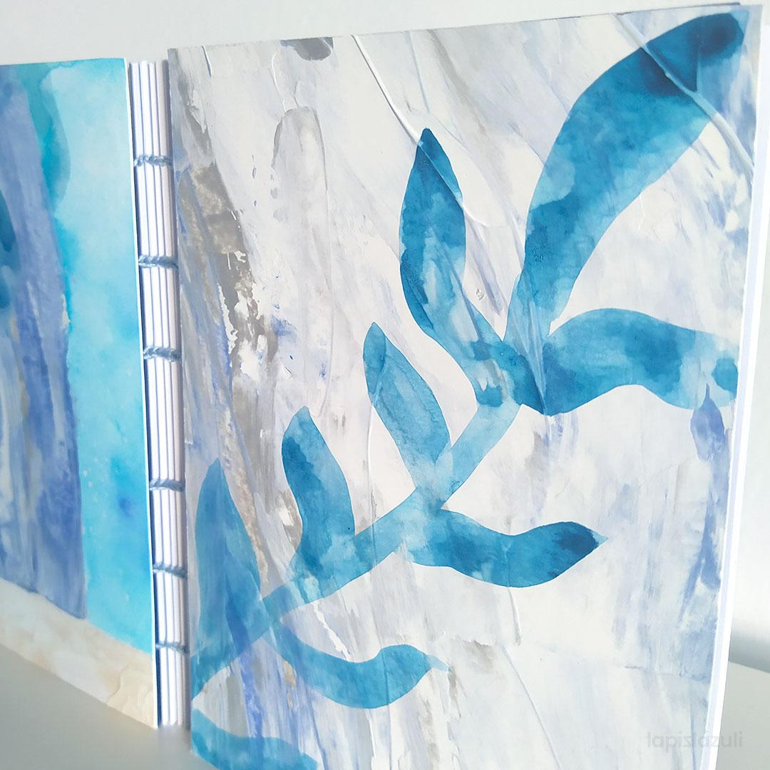 Plano detalle encuadernación de tapas abstractas azules 3